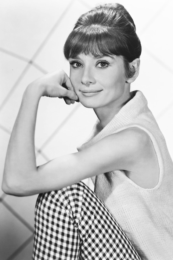 AUDREY HEPBURN STUDIO PUBLICITY SHOT B W PHOTO PHOTO OR POSTER  bff805b555f9