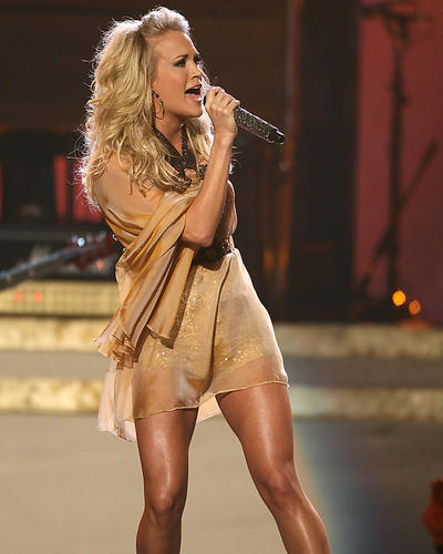 CARRIE-UNDERWOOD-24X36-POSTER-LEGGY-PERFORMING-IN-CONCERT