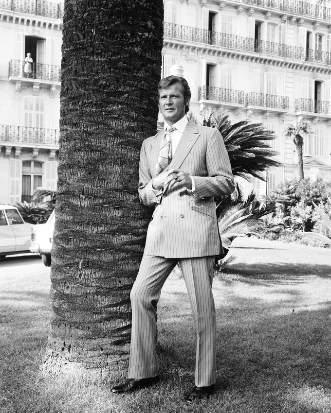 Sinclair Apartments: The Persuaders Roger Moore Elegant Lord Brett Sinclair