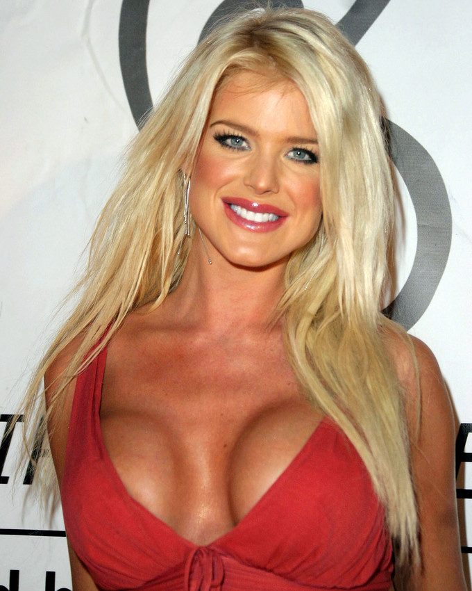 Victoria Silvstedt Busty Y Color Photo Or Poster